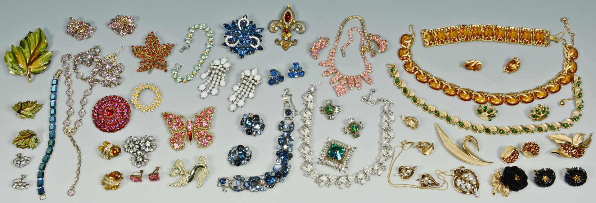 Lot 739: Costume Jewelry: Weiss, Kramer, Trifari