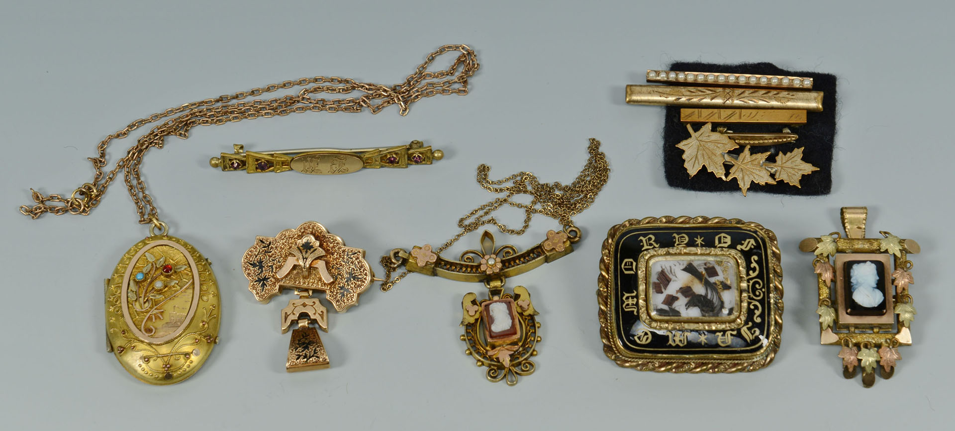 Lot 744: 11 pcs Victorian & Mourning Jewelry inc. cameos
