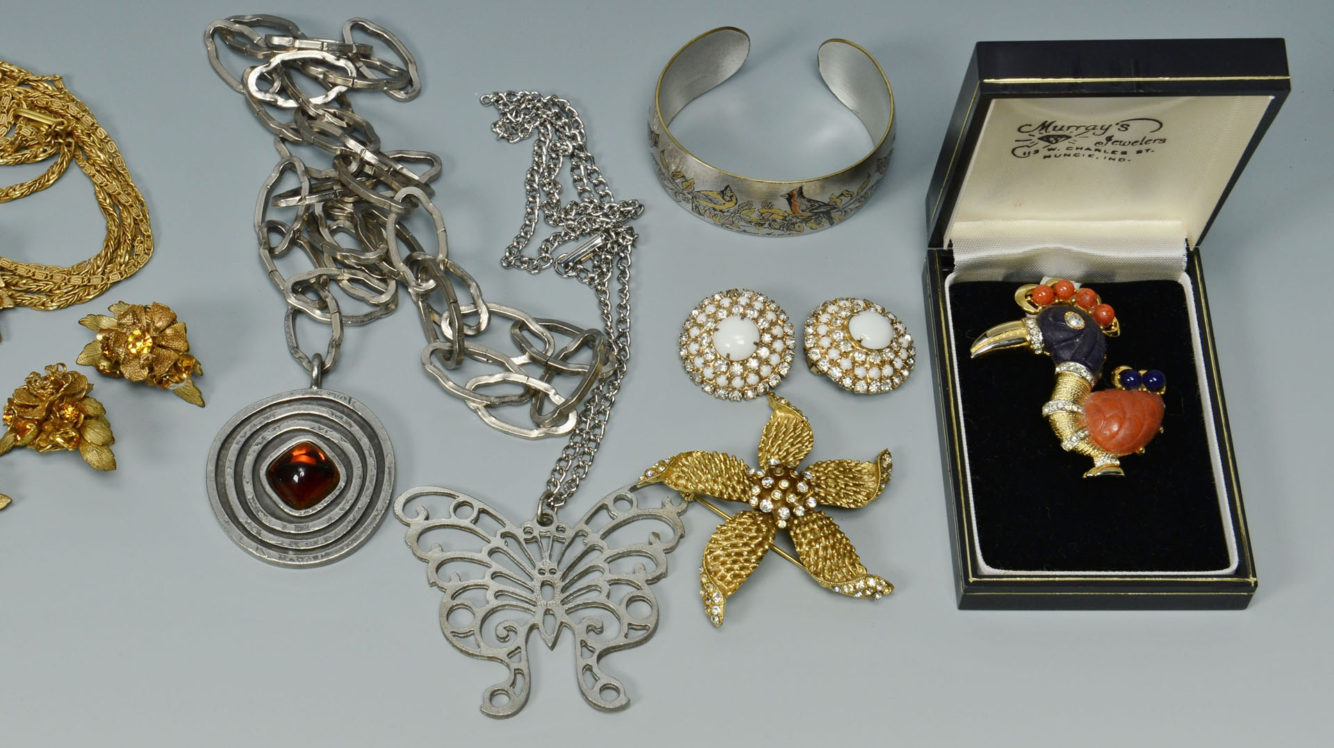 Lot 745: Vintage Costume Jewelry incl. Hattie Carnegie, DeM