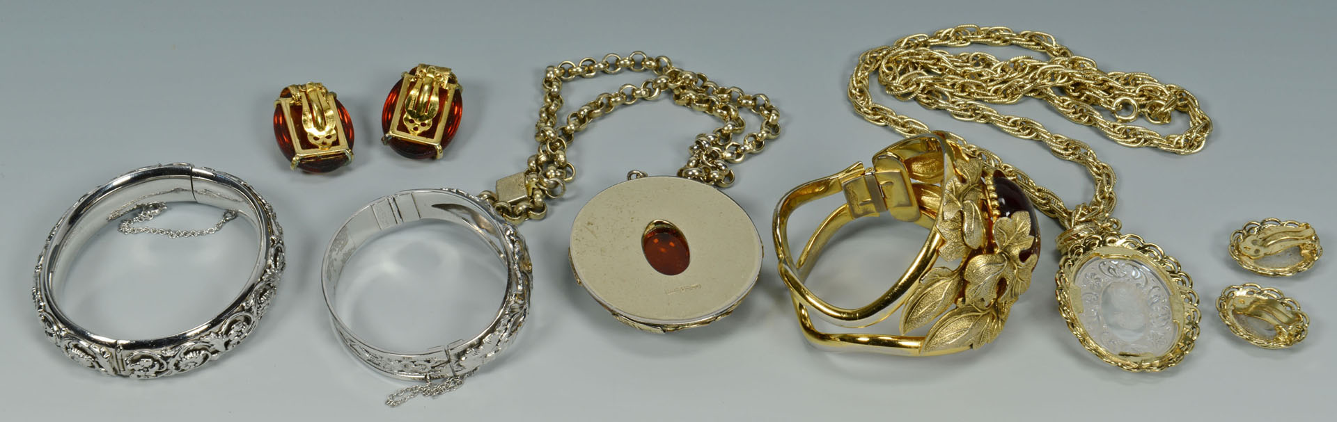 Whiting & Davis Costume Jewelry, 7 pcs