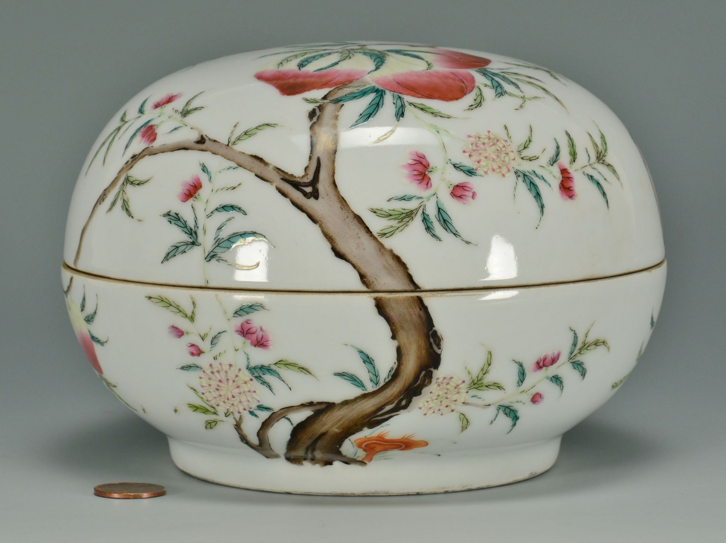 Lot 8: Chinese Porcelain Famille Rose Penghe Box