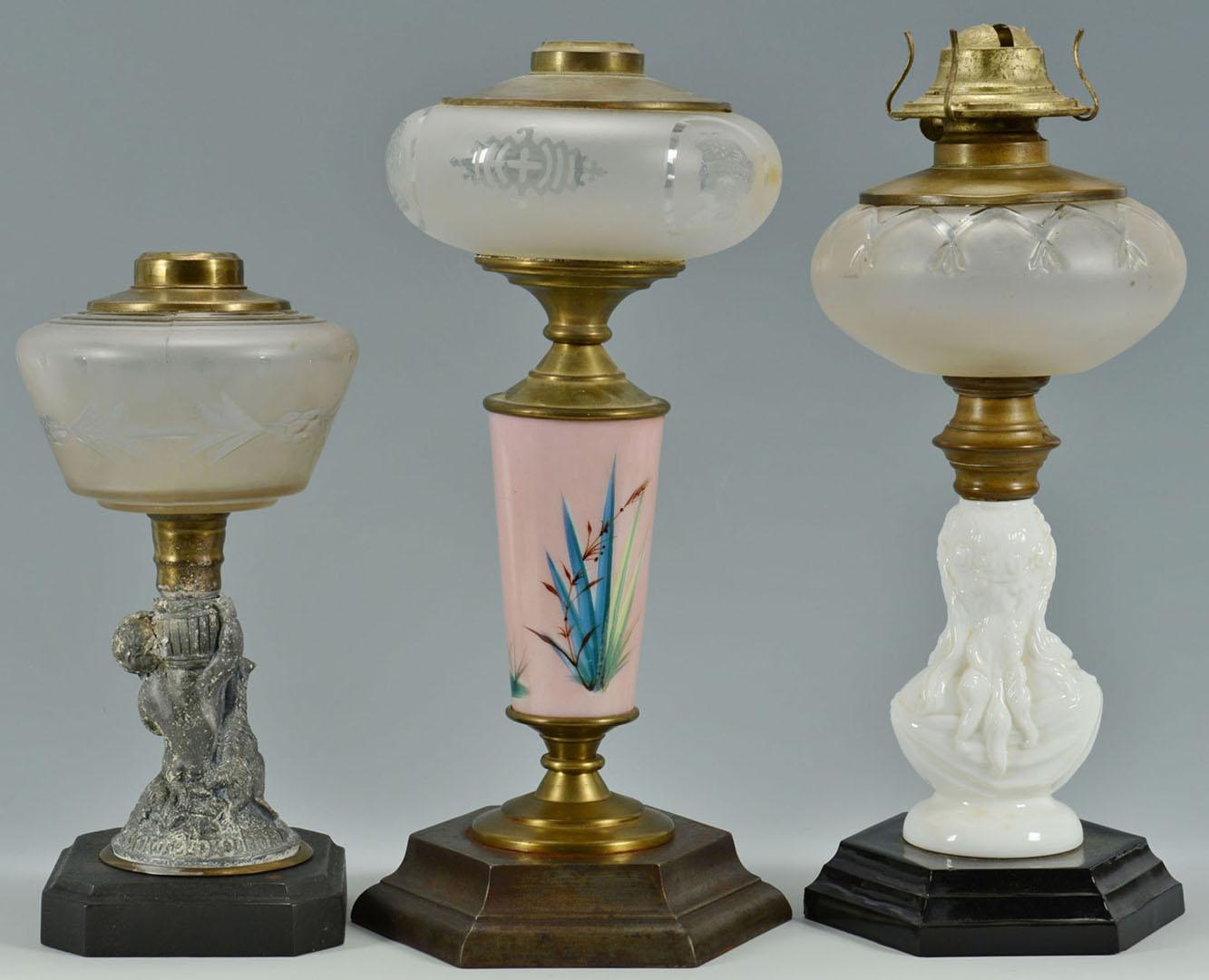 Lot 2872320: 3 Classical Oil Lamps