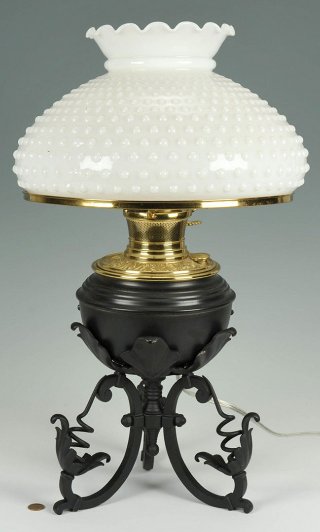 Lot 2872322: Bradley and Hubbard Iron & Brass Table Lamp