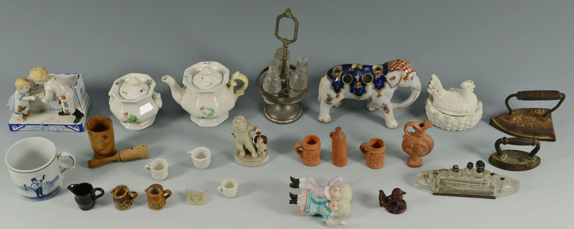 Lot 2872326: Group of 39 Various Miniatures
