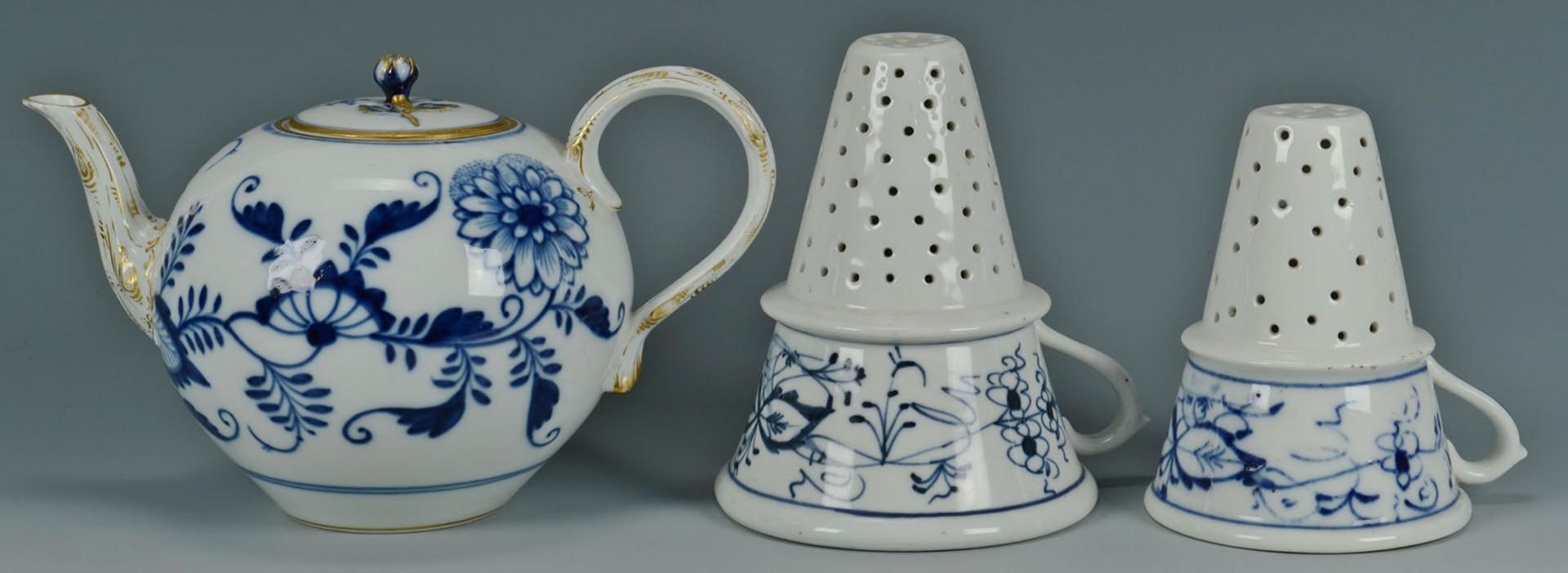 Lot 2872331: 2 Meissen Blue Onion Porcelain Items + 4 others