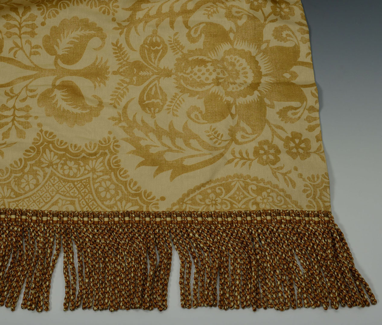 Lot 2872356: 4 Cowtan and Tout drapery panels with rods