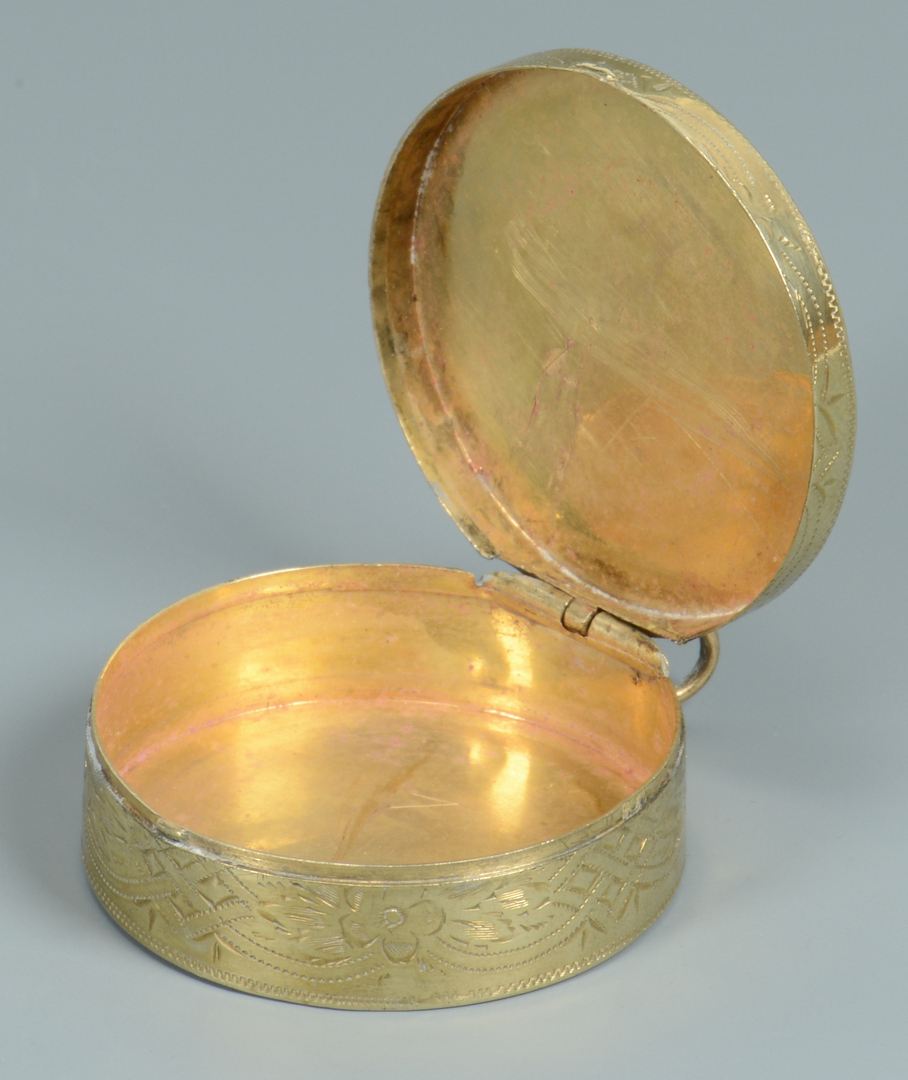 Lot 3088056: 3 Victorian Ladies Gold Accessories