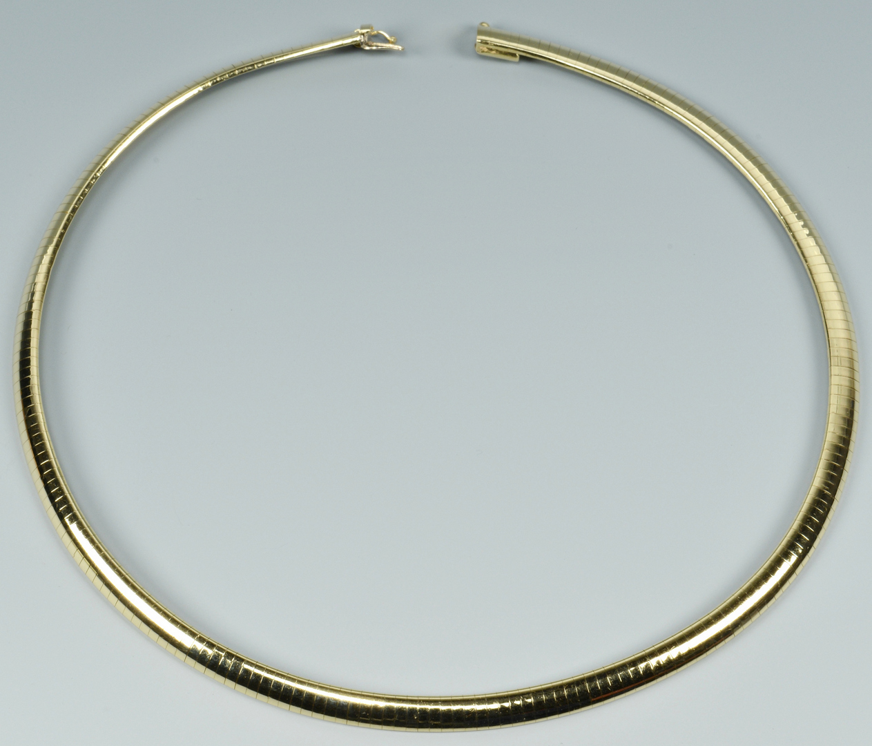 Lot 3088064: 14k Yellow Gold Omega Collar Necklace