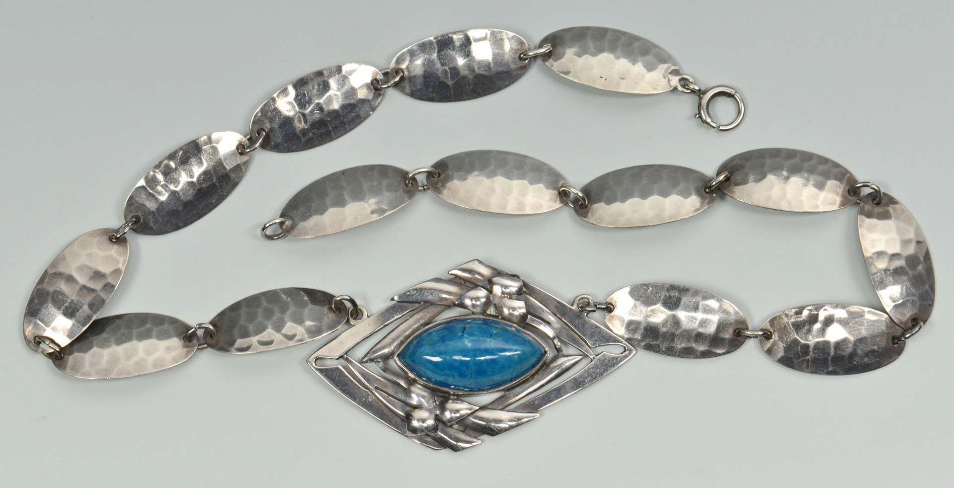 Lot 3088073: Chicago Arts & Crafts Silver Necklace