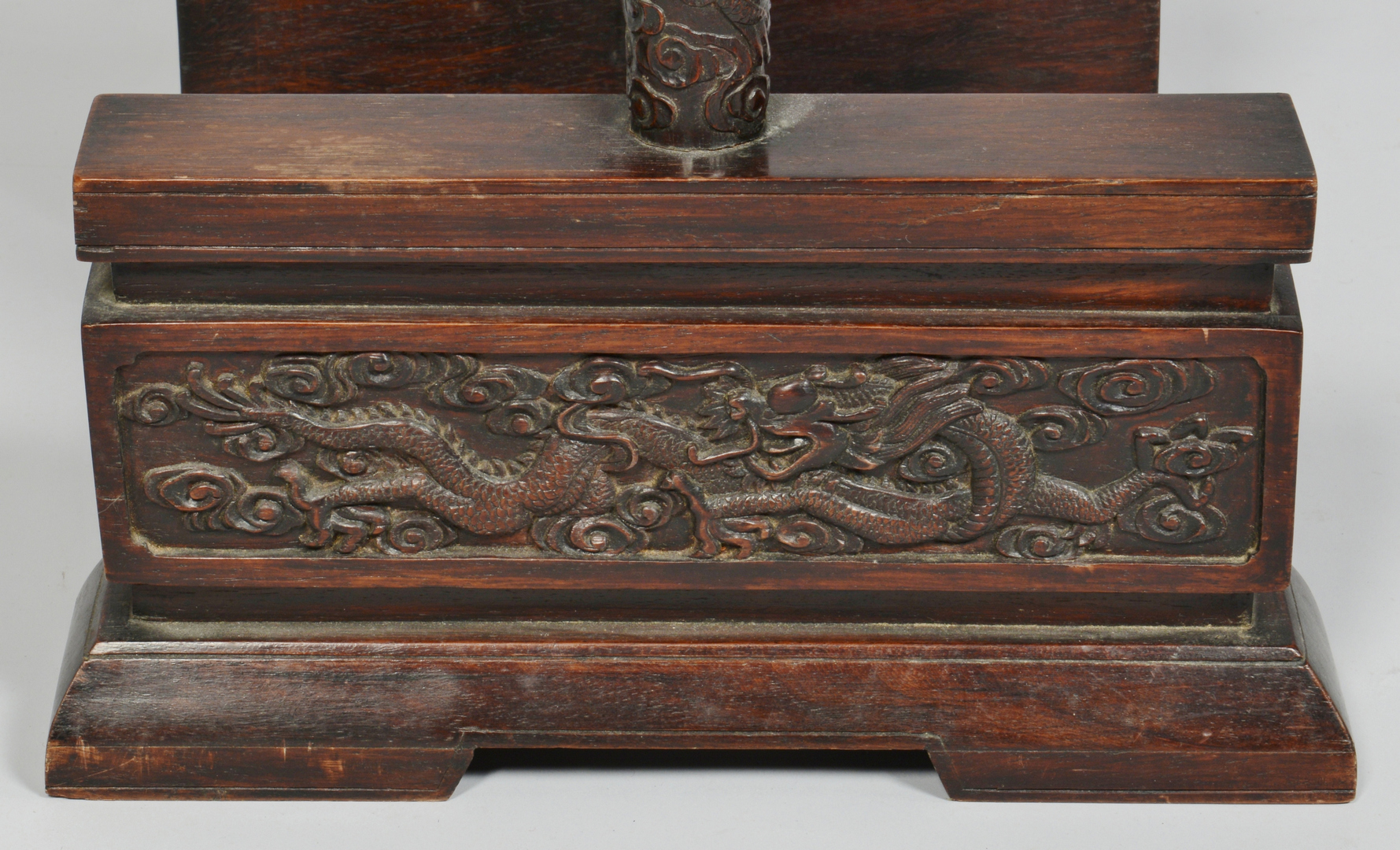 Lot 3088089: Pair Chinese Carved Gong Stands