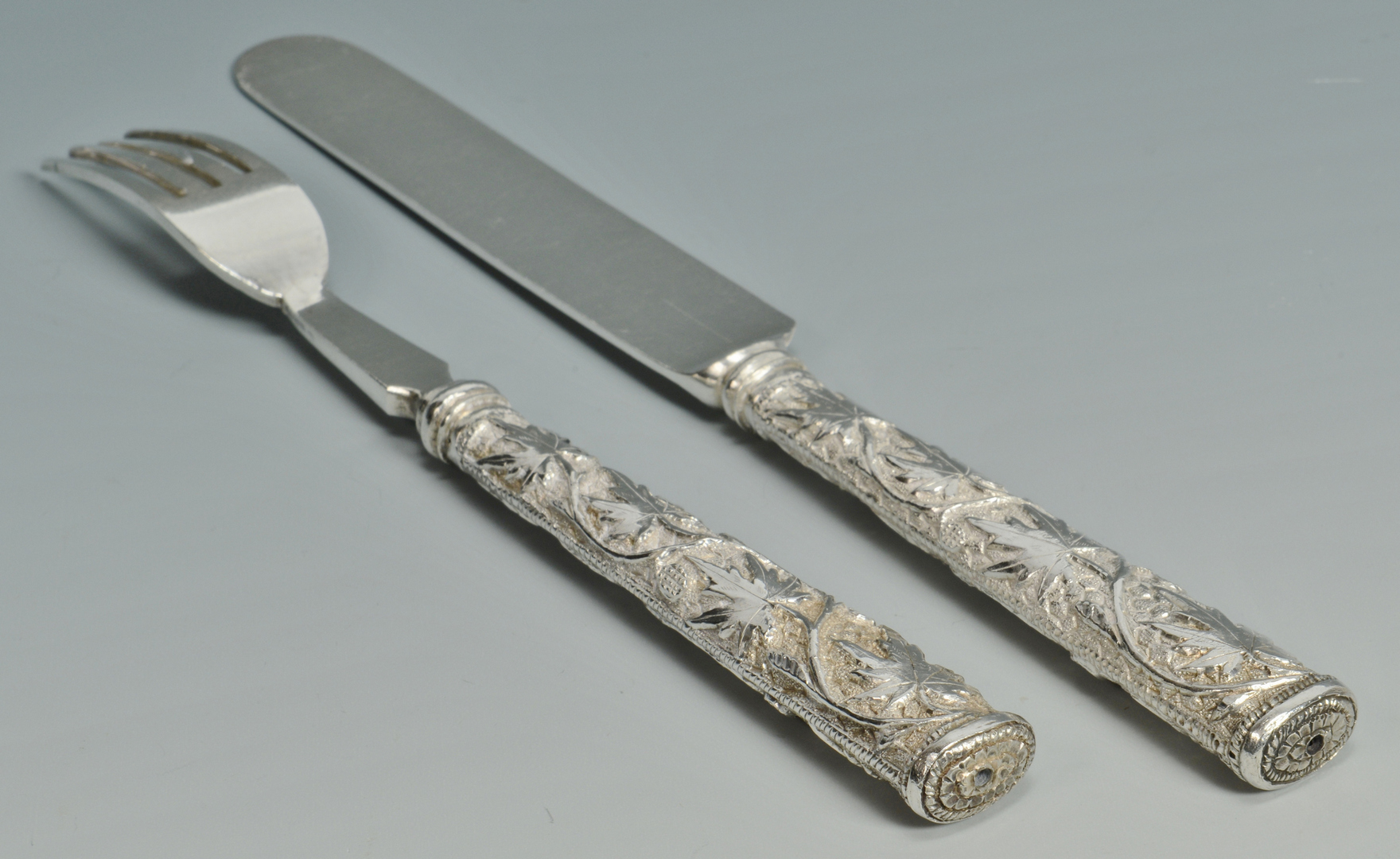 Lot 3088095: 24 pcs Asian Export Silver Flatware