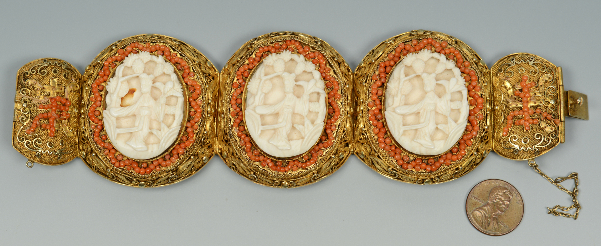 Lot 3088135: Asian Gilt-filigree Bracelet