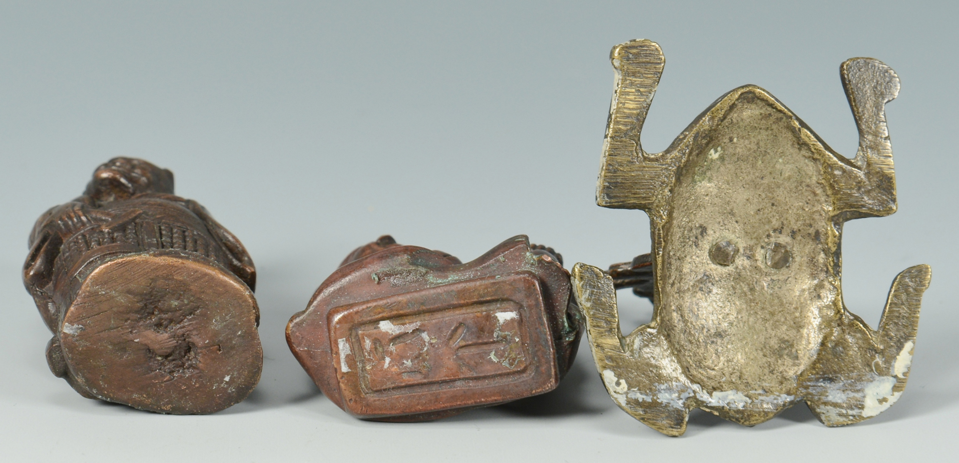 Lot 3088138: 5 Small Decorative Bronze Asian Items