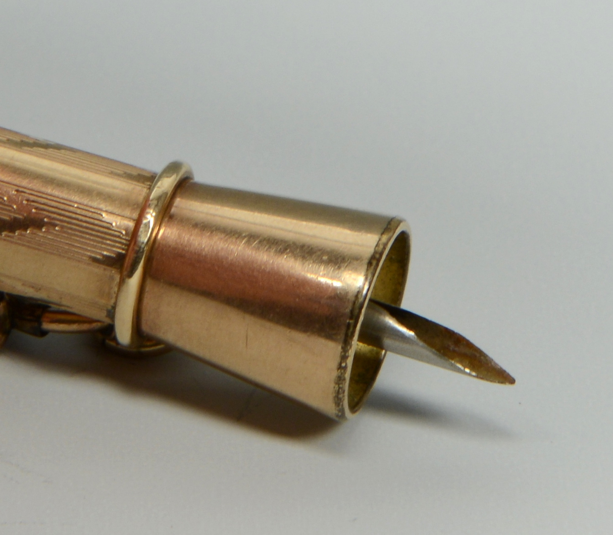 Lot 3088172: 4 Cigar Items inc. figural lighters