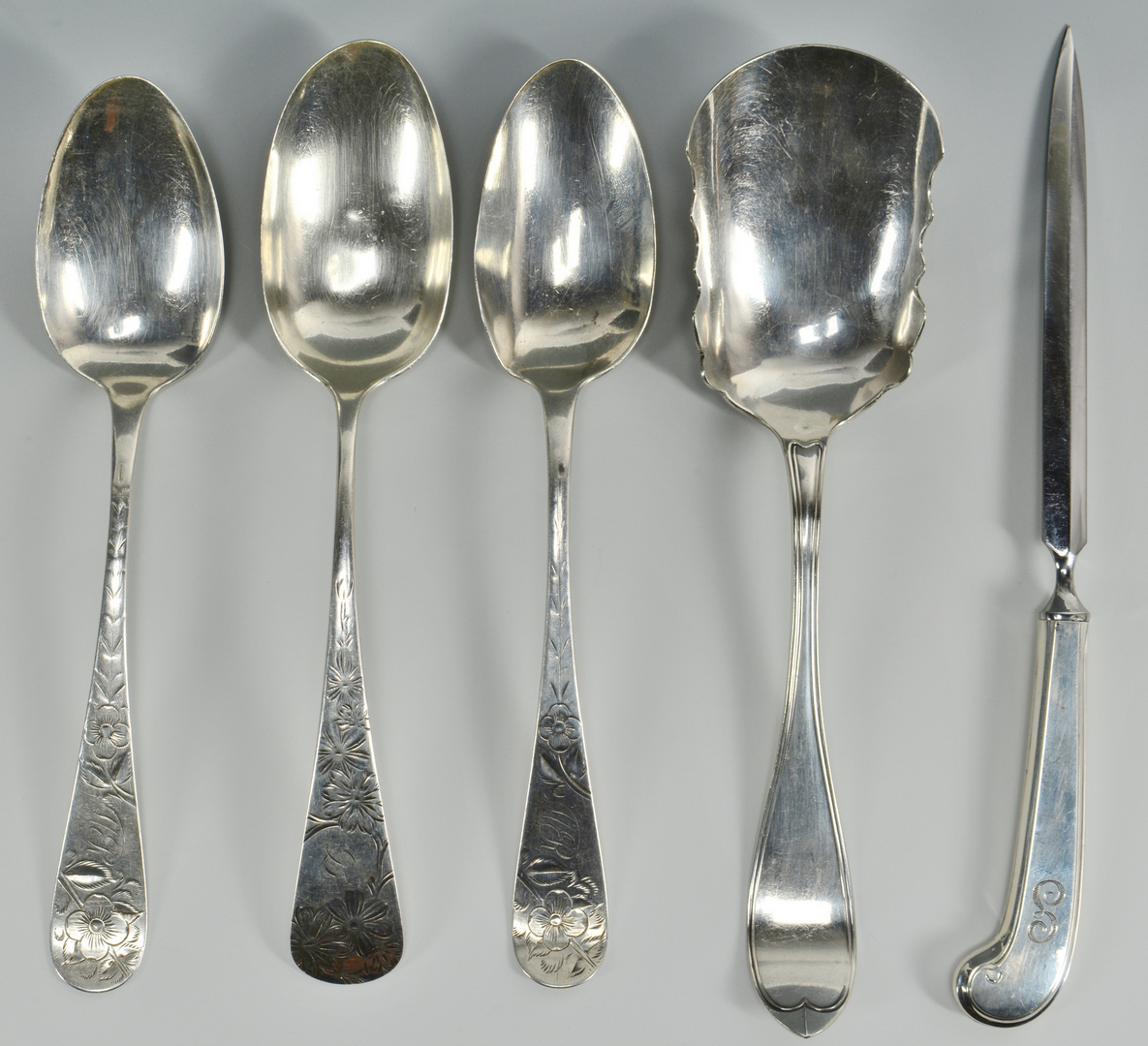 Lot 3088202: 34 pieces assorted sterling plus 5 pc s/p flatware