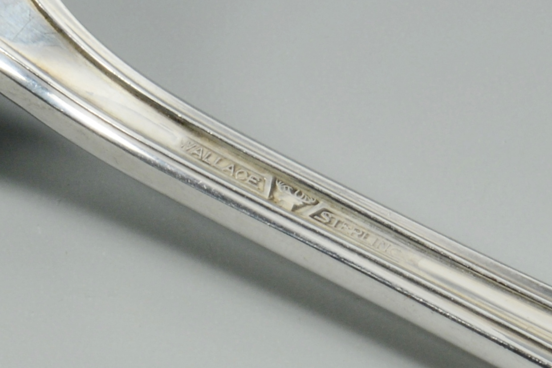 Lot 3088203: Wallace Sterling Flatware, Rosepoint, 16 pcs, case