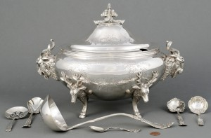 Lot 3088210: Meriden Stag Head Tureen plus silver flatware