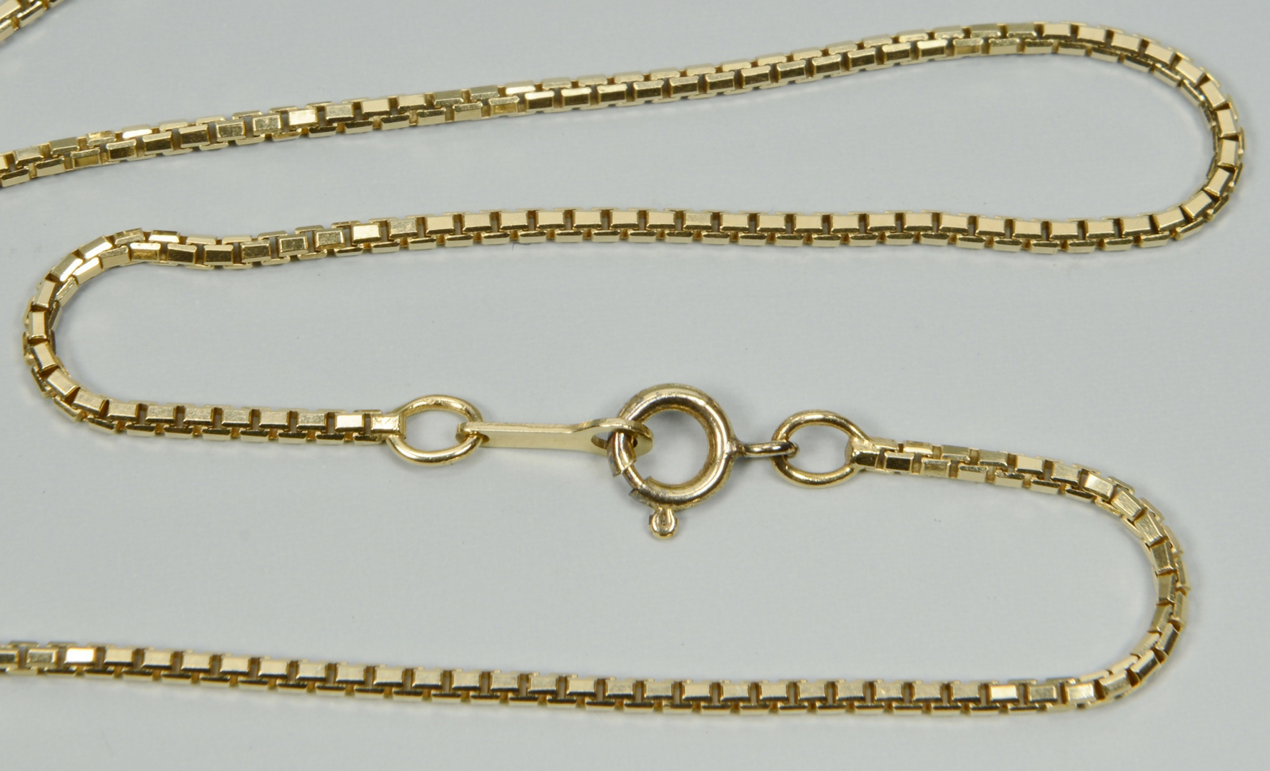Lot 3088214: Two 14k yellow gold chain necklaces