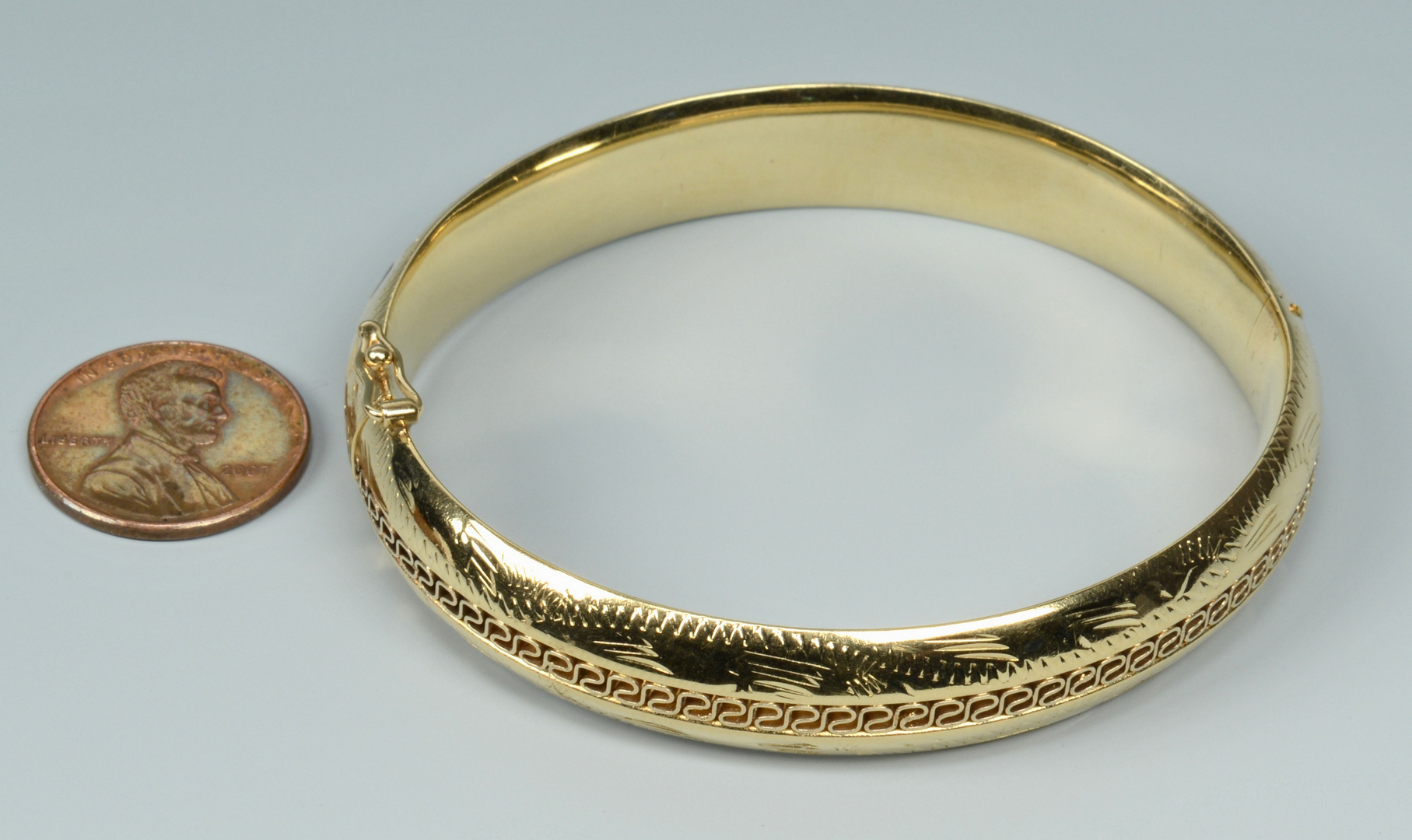 Lot 3088220: 14k gold bangle bracelet, 18.7 grams