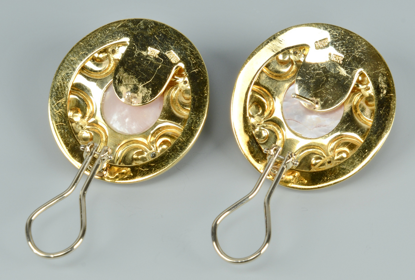 Lot 3088225: Pair Etruscan style 18k Mabe Pearl Dia Earrings
