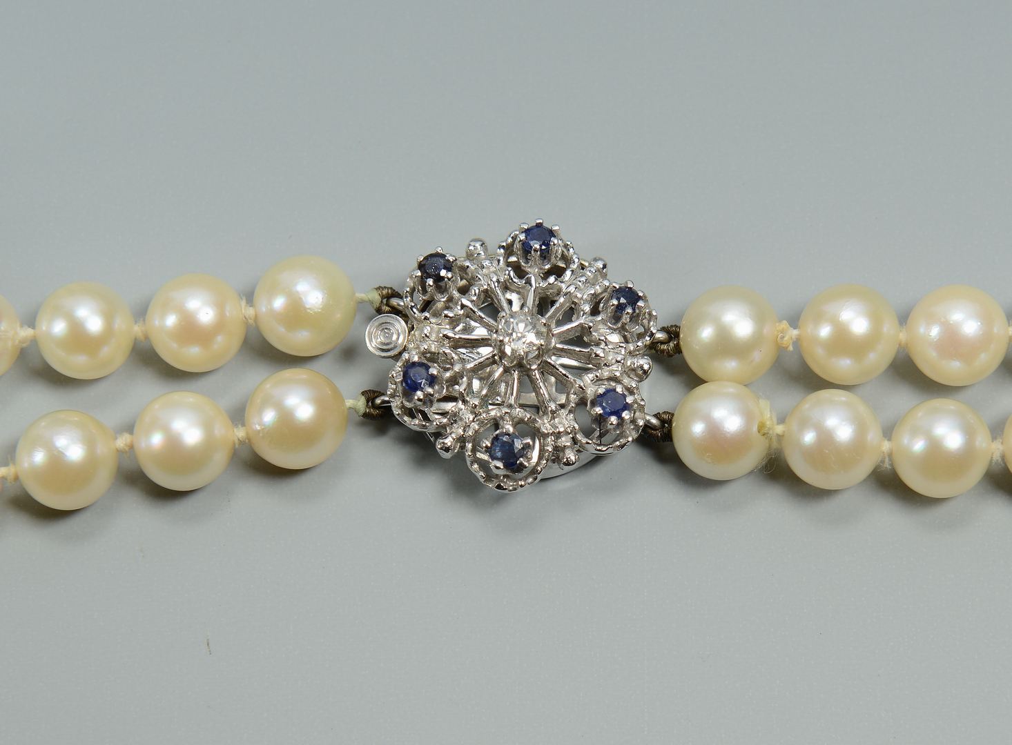 Lot 3088226: Pearl Necklace w/ 14k Dia & Sapphire Clasp