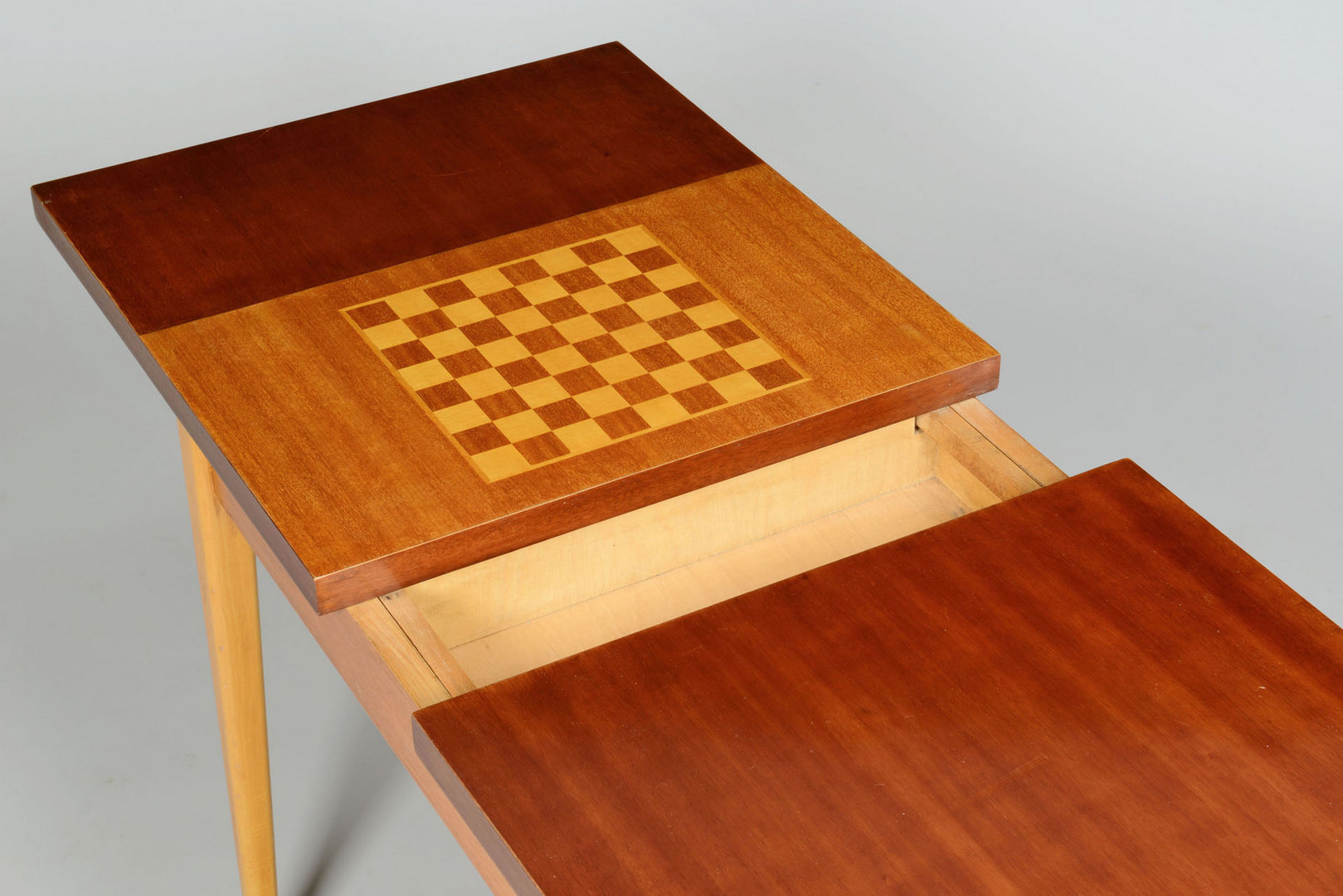 Lot 3088242: 1950 Modern Czech Game Table