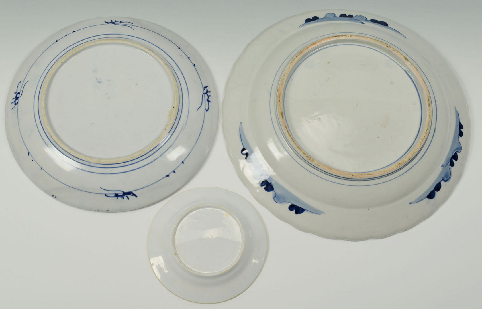 Lot 3088294: 2 Japanese Arita Chargers and Imari Style Plate
