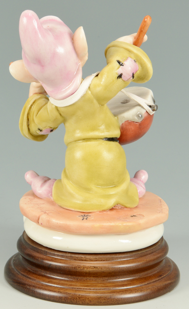 Lot 3088305: Capodimonte Snow White & the 7 Dwarfs Figures Set