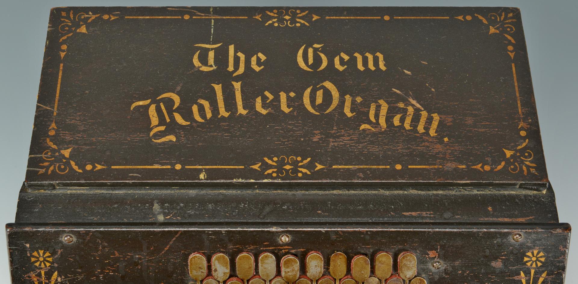 """Lot 3088339: Gem Roller Organ w/ """"Cob"""" Cylinder Rolls"""