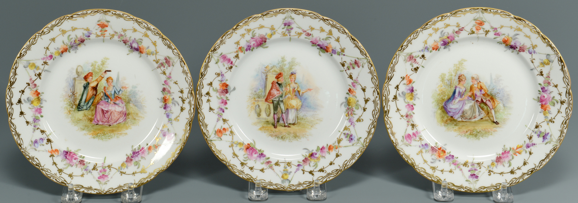 Lot 3088350: Pair European style Figurines & Plates