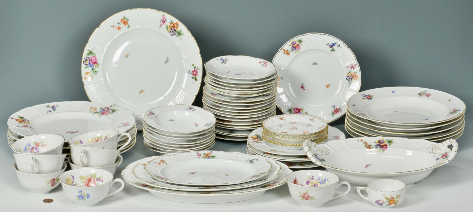 lot 3088355 rosenthal dinnerware service. Black Bedroom Furniture Sets. Home Design Ideas