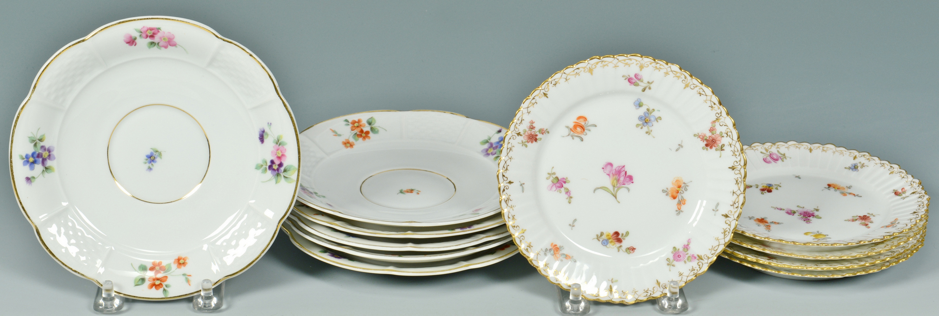 Lot 3088355: Rosenthal Dinnerware Service
