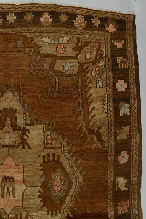 Lot 3088360: Turkish Van carpet, 11.7 x 8.9