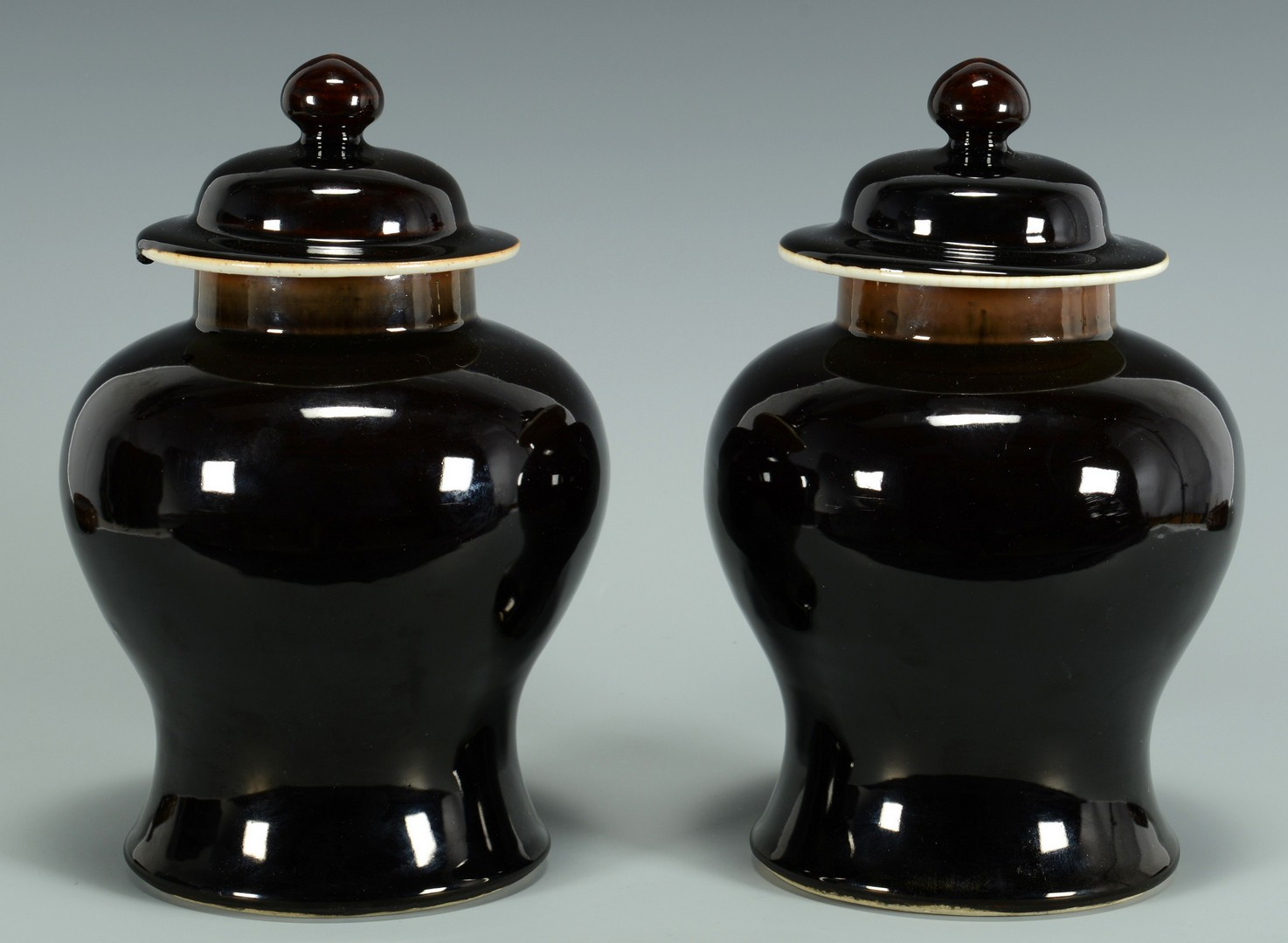 Lot 3383169: Pair Chinese Flambe Vases