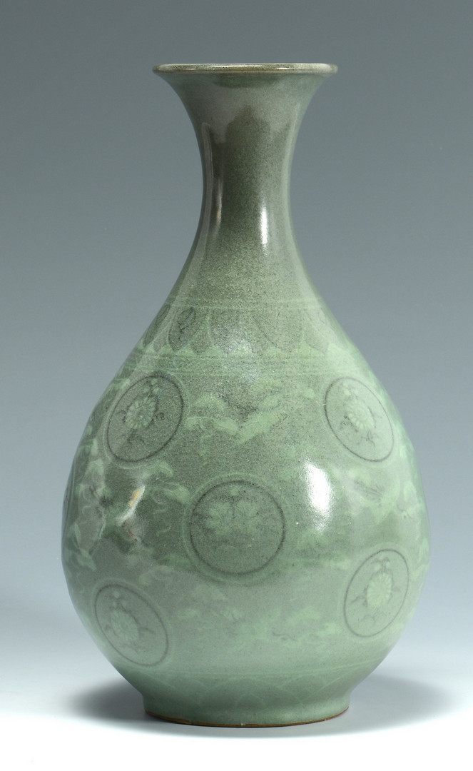 Lot 3383177 Korean Celadon Glazed Vase