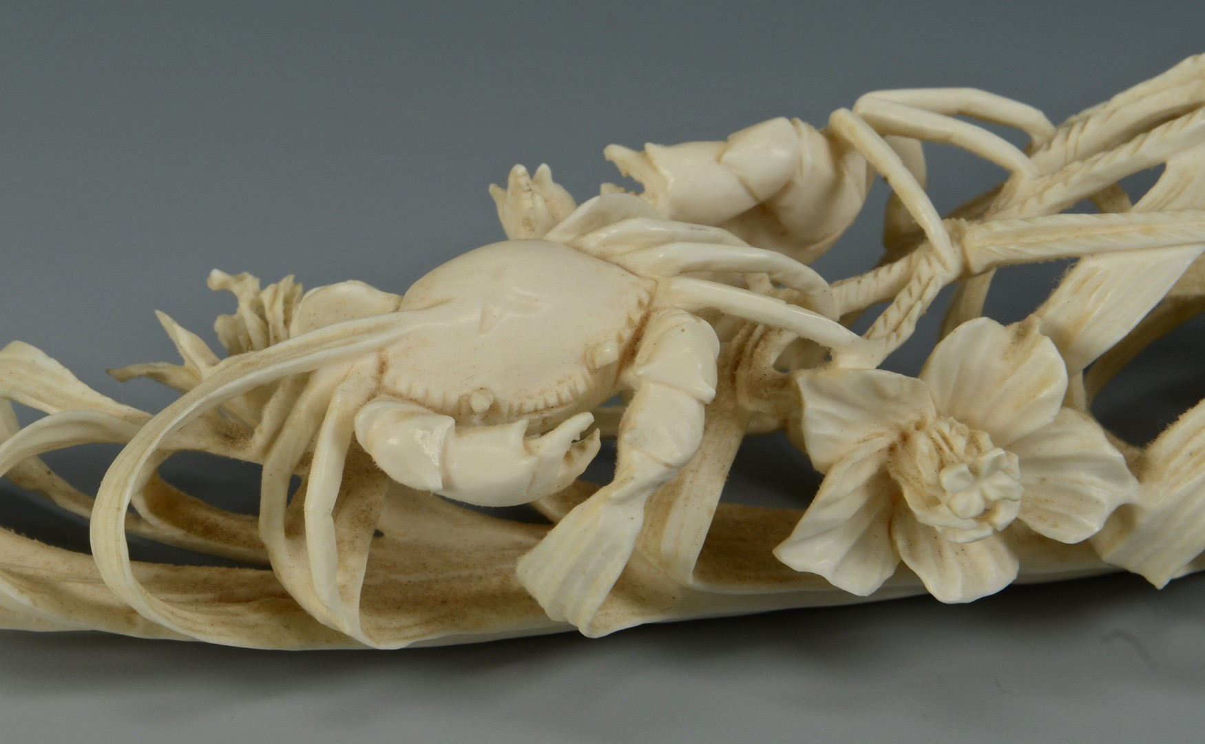 Lot 3383192: Chinese Carved Ivory Crab Basket