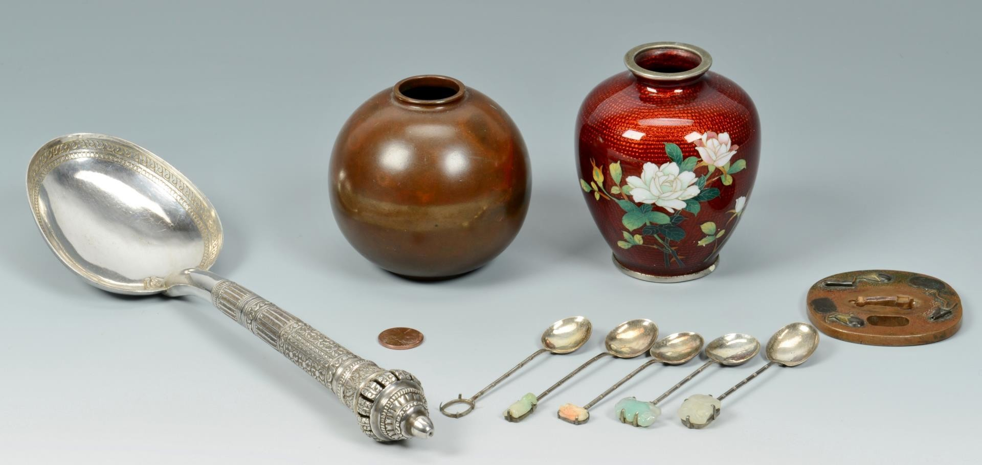 Lot 3383205: Grouping of 9 metal Asian items