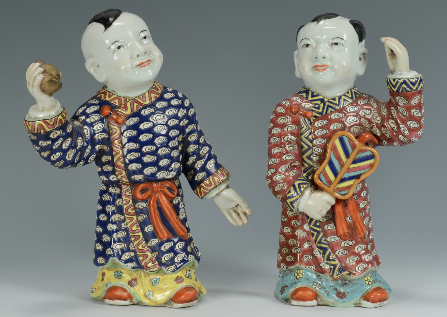 Lot 3383219: 4 Chinese Porcelain Figures