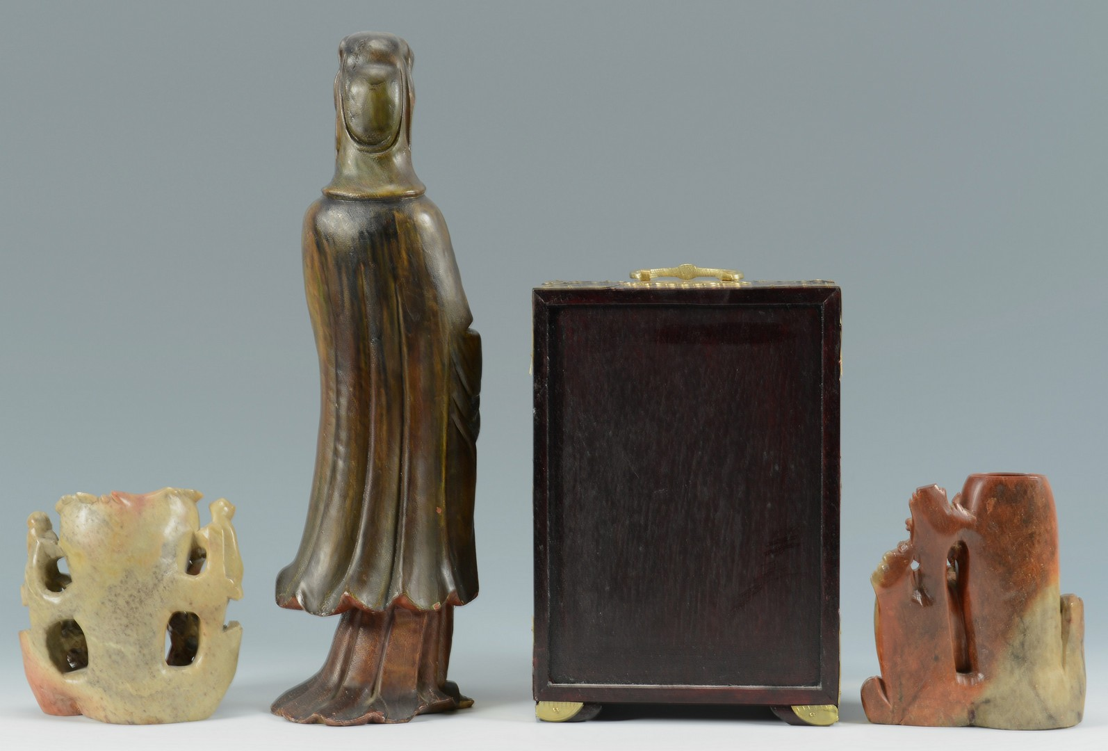 Lot 3383252: 4 Chinese hardstone and wooden items