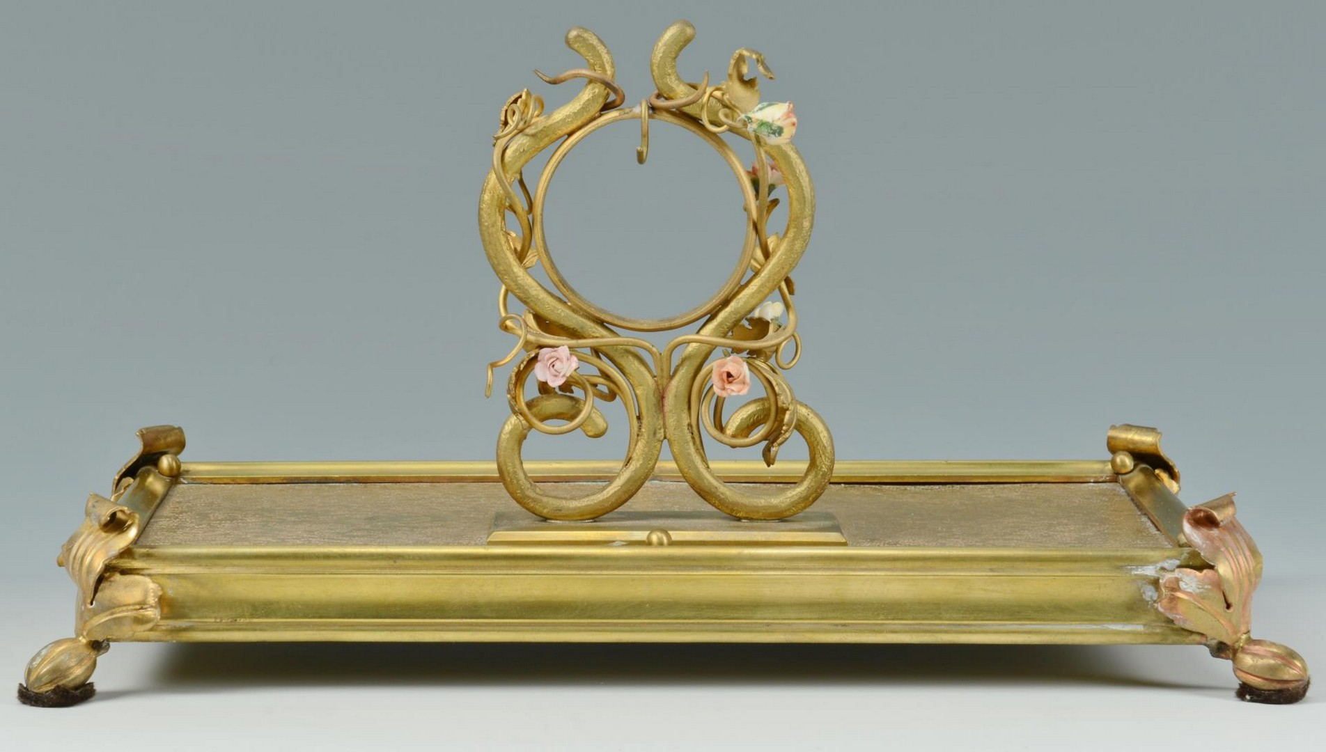 Lot 3383260: 2 Gilded Watch Holders