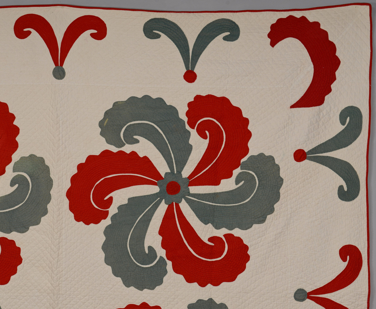 Lot 134: East TN Applique Quilt w/ Initials