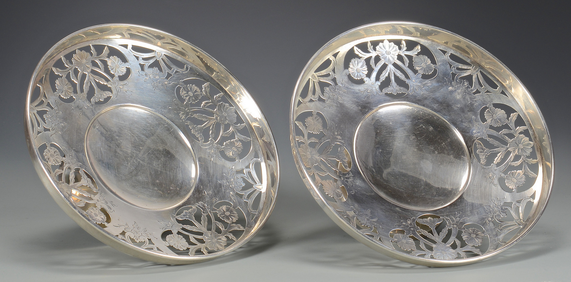 Lot 256: 2 Sterling Compotes, Sandwich or Dessert