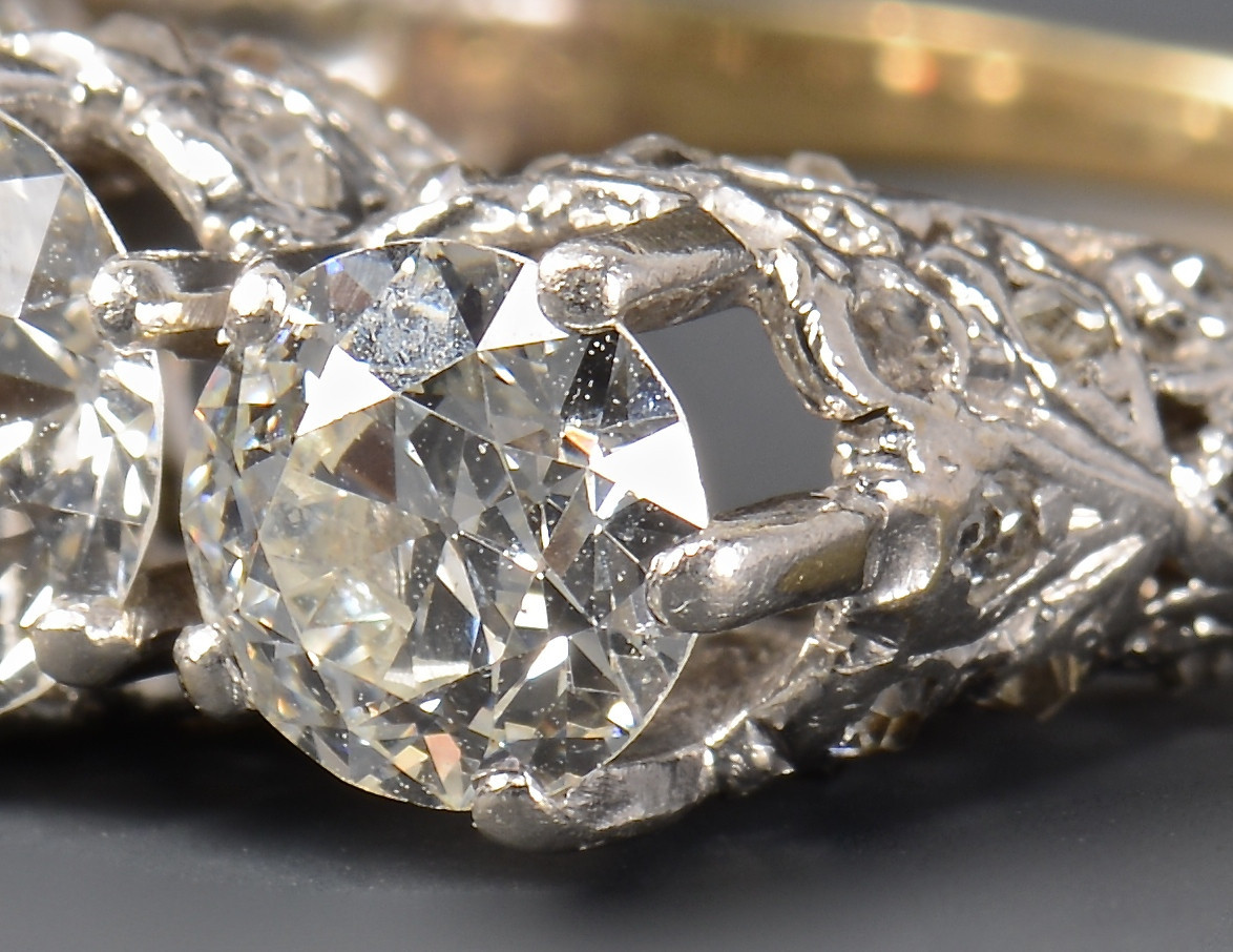 Lot 264: 3-stone OMC Diamond Ring