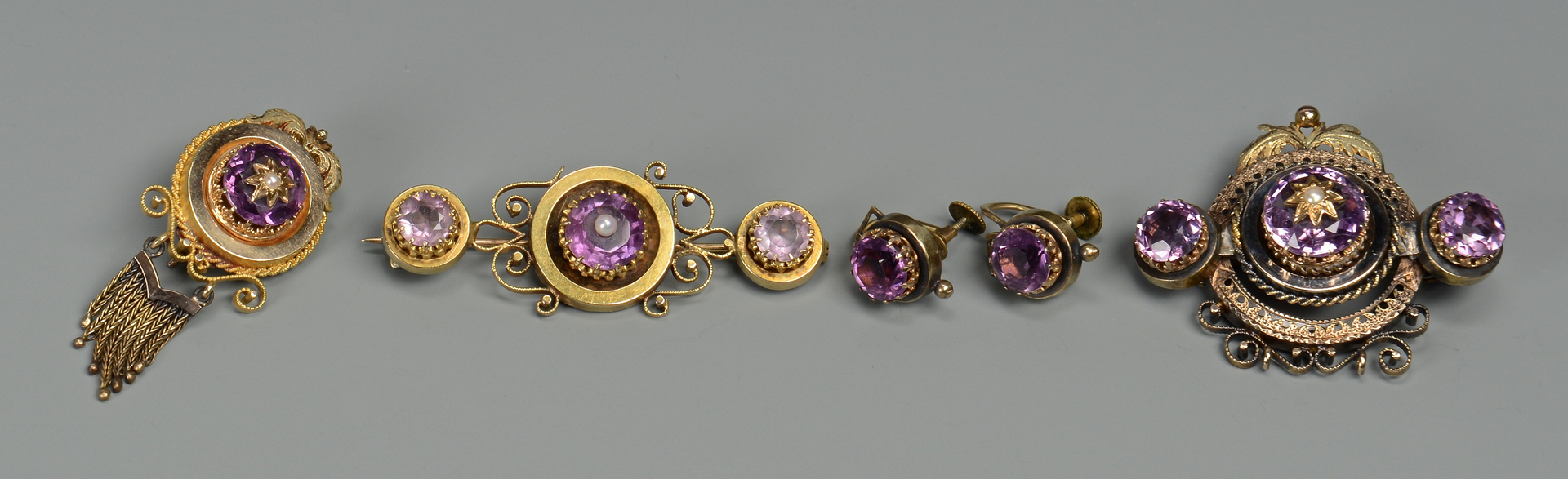 Lot 275: 14k amethyst Victorian set
