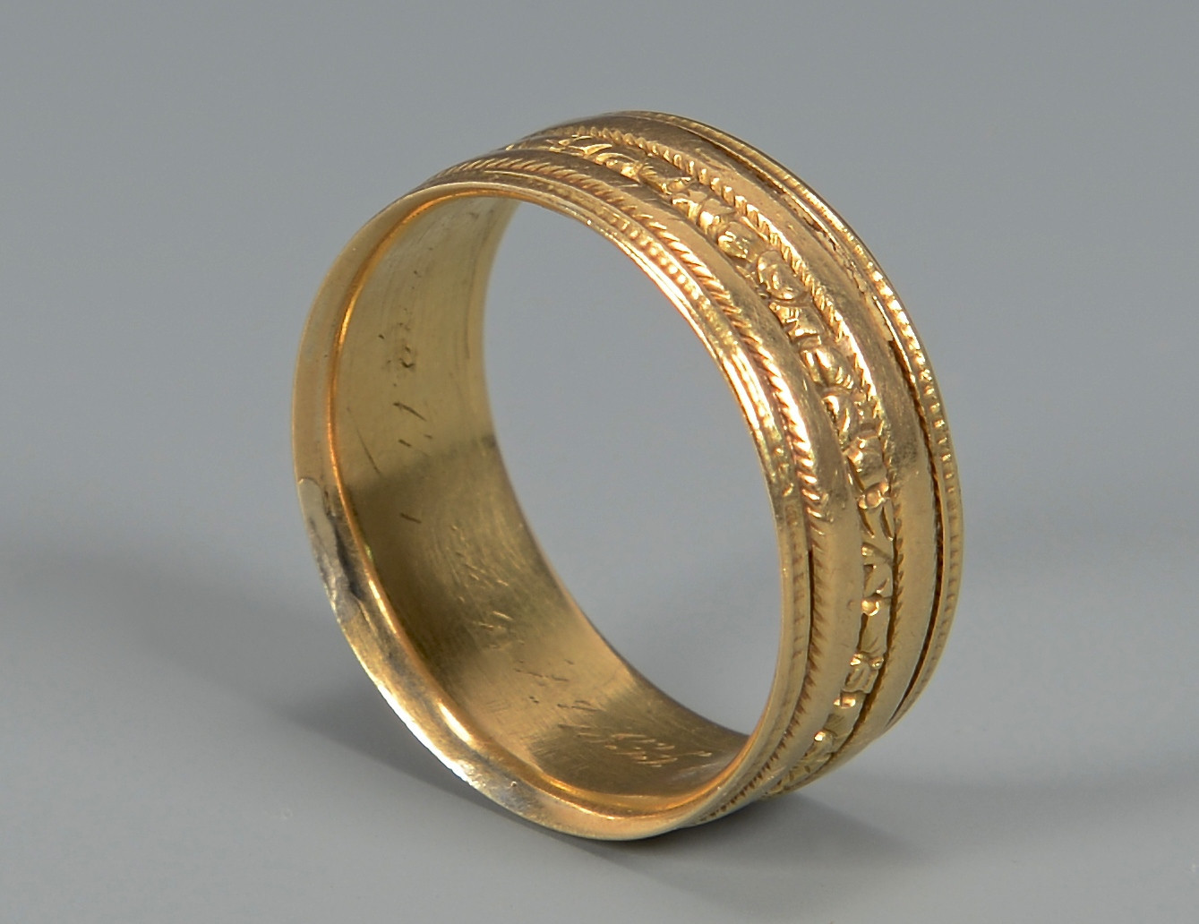 Lot 276: William IV Gold Ring, 18k
