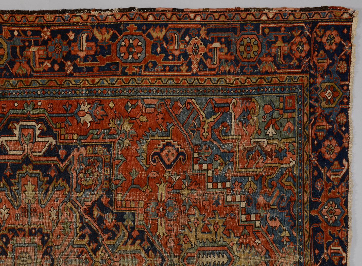 Lot 317: Antique Heriz carpet c.1920