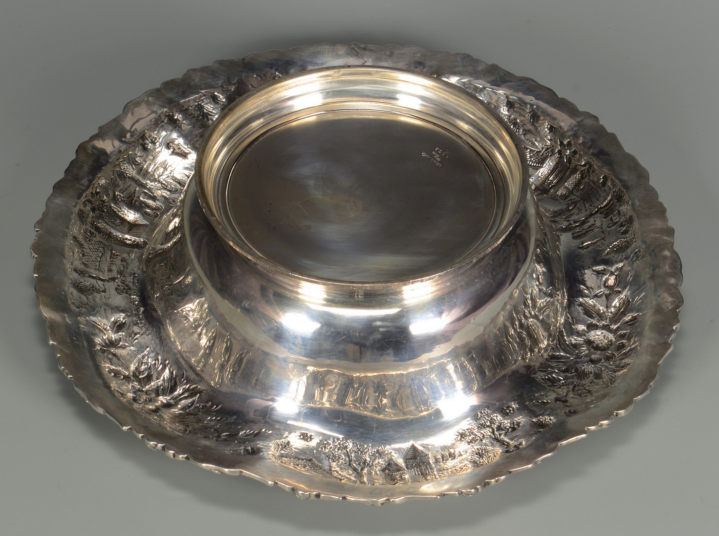Lot 33: Kirk Centerpiece Bowl, Castle pattern
