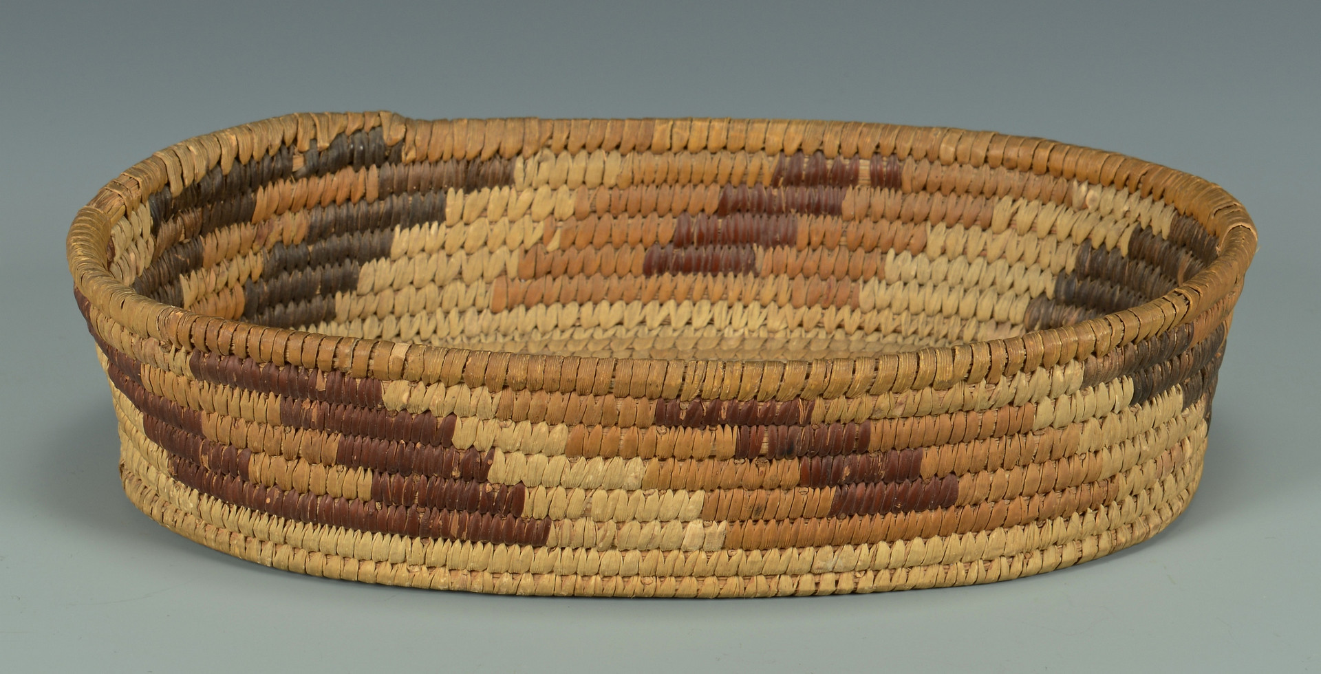 Lot 440: 2 Southwest Baskets inc. large tray, Papago
