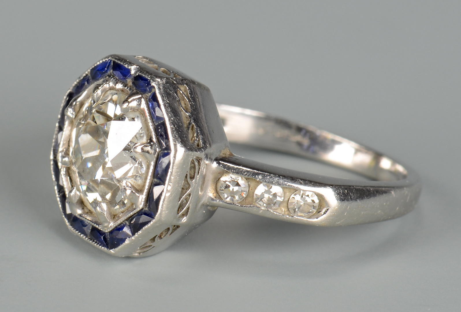 Lot 44: Art Deco 1.65 ct Diamond Ring