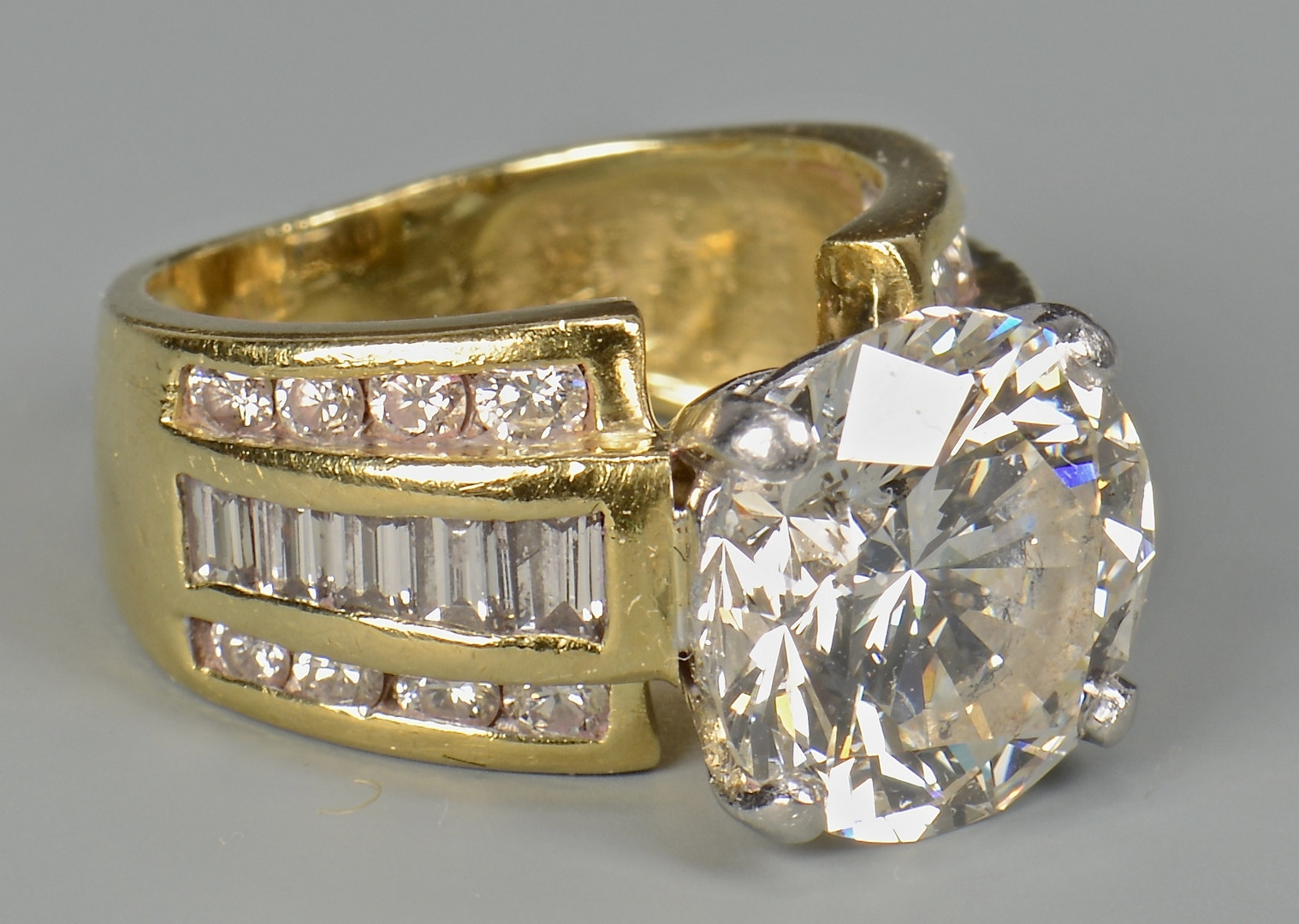 Lot 45: 5.06 ct Round Diamond Ring, GIA
